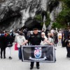 U Lourdesu blagoslovljena zastava HČSP-a
